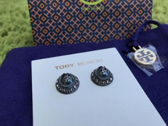 Tory Burch NEW!! TAGS PEARL ROUND METALLIC RHINESTONE STUD EARRINGS NWT DUST BAG Image 9