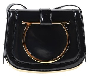 6b2392045593 Salvatore Ferragamo Handbags - Up to 70% off at Tradesy