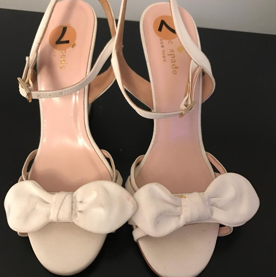 f2521bd5182 Kate Spade White With Bow Wedges Size US 7 Regular (M