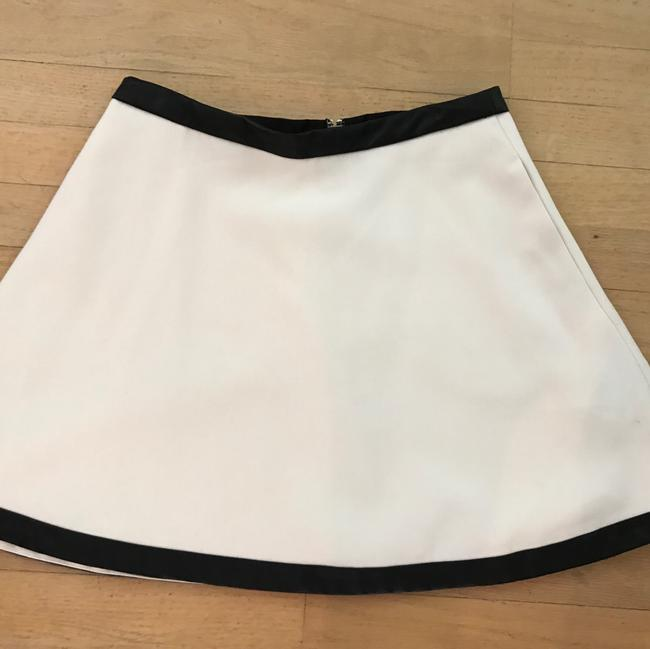 Preload https://img-static.tradesy.com/item/22380771/banana-republic-white-midi-skirt-size-4-s-27-0-0-650-650.jpg
