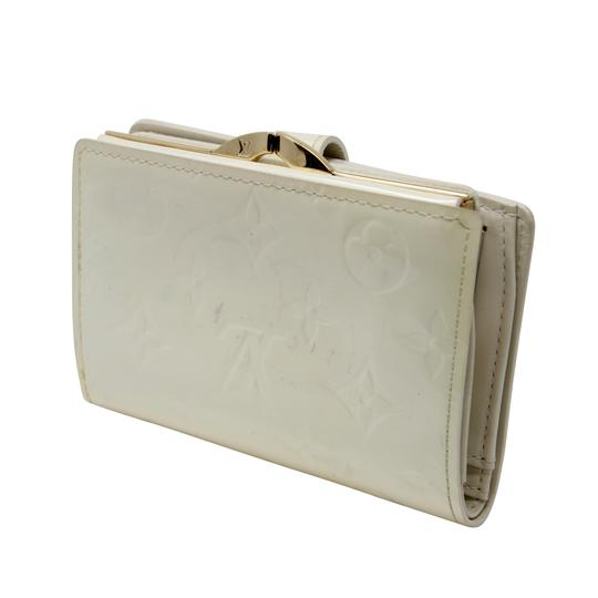Louis Vuitton Signature Vernis Monogram Patent Leather Off White Kisslock Wallet Image 2