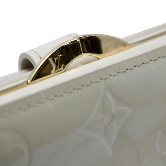 Louis Vuitton Signature Vernis Monogram Patent Leather Off White Kisslock Wallet Image 6
