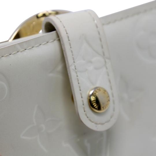 Louis Vuitton Signature Vernis Monogram Patent Leather Off White Kisslock Wallet Image 7