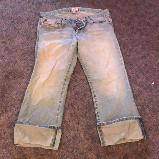Item - Blue Light Wash Capri/Cropped Jeans Size 33 (10, M)