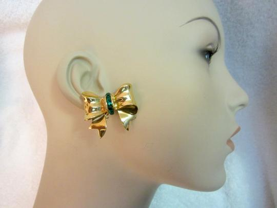 Other Bow Clip Earrings Gold Plated Green Crystals Vintage Signed --Superb! Image 4