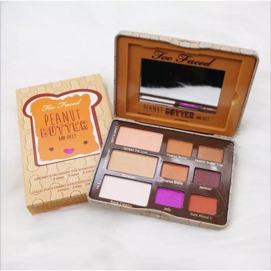 Too Faced Yummy Peanut Butter & Jelly Eyeshadow Palette Image 9