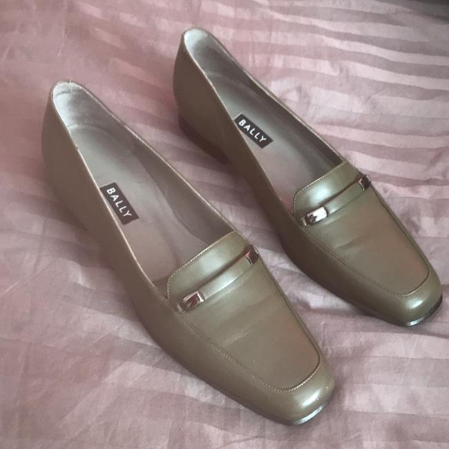Item - Green Dress Loafers Flats Size US 7.5 Narrow (Aa, N)
