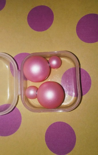Unknown Light Pink Doub;e Ball Resin Stud Earrings Image 2
