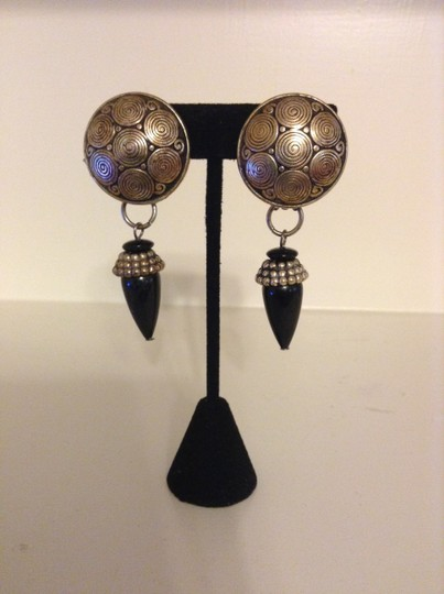 Accessory Lady Silver and Black Dangle Clip Earrings