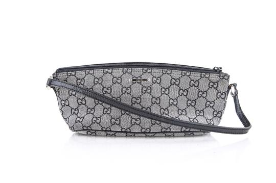 Preload https://img-static.tradesy.com/item/22381633/gucci-pouch-cosmetic-bag-0-0-540-540.jpg