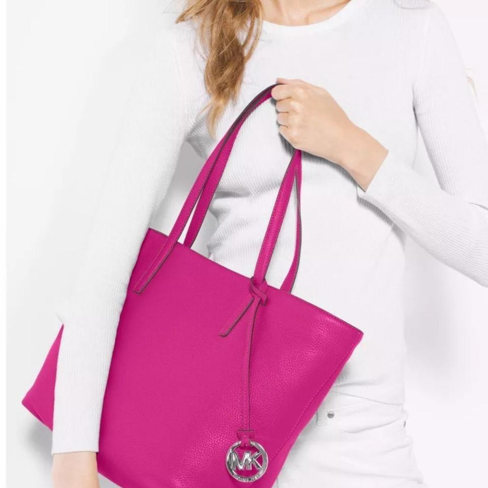 0c50900954f5 Michael Kors   Shoulder Pebbled Leather Style 30f6szyt3l Tote in Fuschia    Silver ...