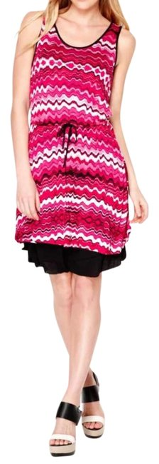 Preload https://img-static.tradesy.com/item/22383403/kensie-pink-white-black-bold-zigzag-striped-chevron-mid-length-short-casual-dress-size-4-s-0-1-650-650.jpg