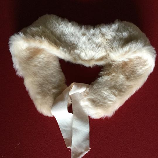 Other New Faux Fur Collar Cream Ivory lace tie Image 2