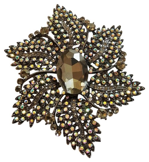 Preload https://img-static.tradesy.com/item/22384000/joan-rivers-black-crystal-brooch-iridescent-rhinestones-0-1-540-540.jpg