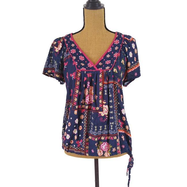 Preload https://img-static.tradesy.com/item/22384528/forever-21-blue-pink-floral-tunic-blouse-size-8-m-0-0-650-650.jpg