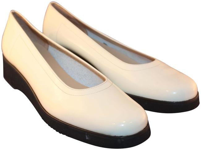 Item - Ivory Cream Ice White Boutique Slip On Patent Leather A29 Wedges Size US 8 Regular (M, B)