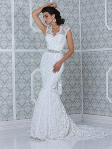 Impression Bridal Ivory Lace The Couture Collection Feminine Wedding Dress Size 6 (S)