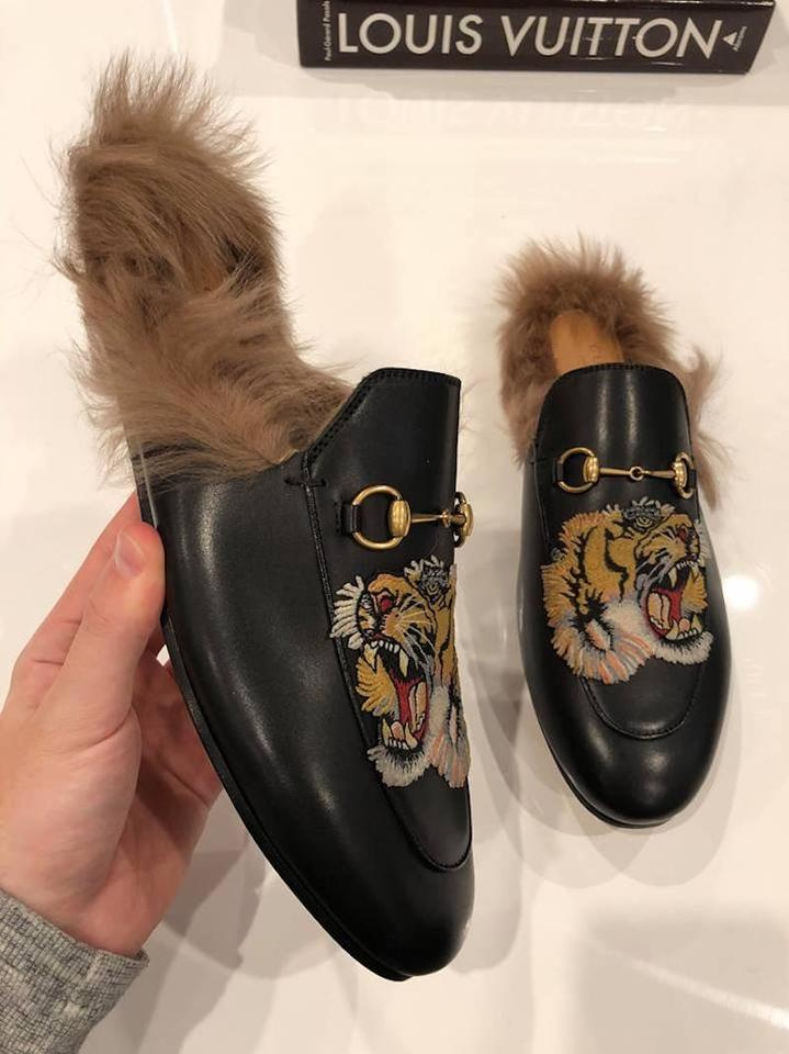 fc3750d98 Gucci Princetown Fur Tiger Slide Loafer black Flats Image 11.  123456789101112