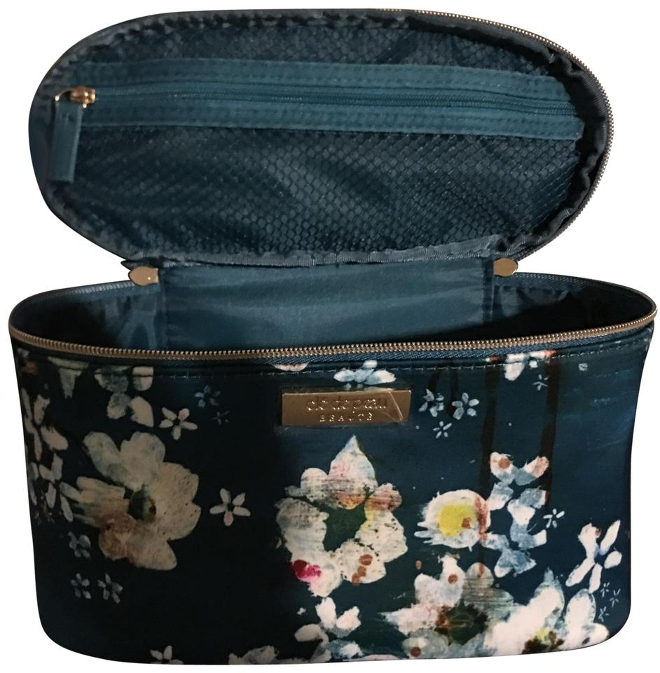 Clé de Peau Beauté New Makeup Bag  Love The Flowers Real Color and Gold  Zippers  As You Can See The Stickers Are Still On The