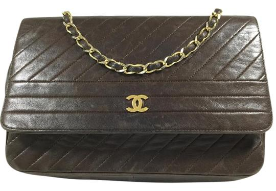 Preload https://item3.tradesy.com/images/chanel-quilted-cc-single-chain-dark-brown-leather-shoulder-bag-2238932-0-2.jpg?width=440&height=440