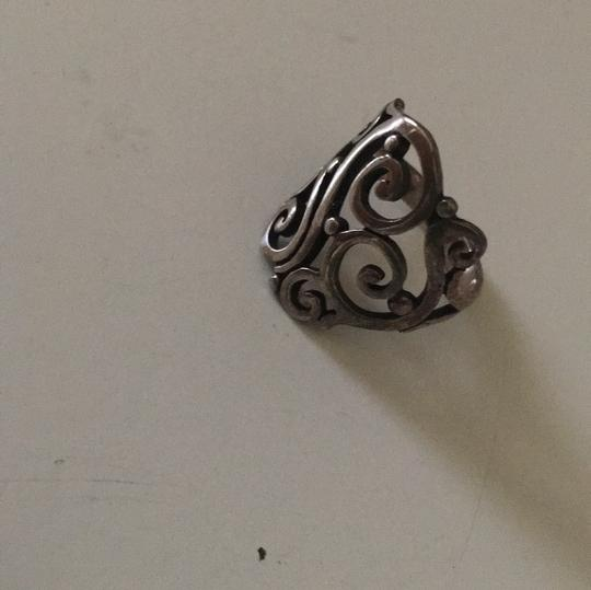 5 items· James Avery USED to be a lovely store and experience. They had simple, beautiful handcrafted jewelry, nice ladies who went out of their way to serve you, and a family-business feel.