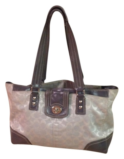 Preload https://item3.tradesy.com/images/coach-shoulder-bag-gray-and-white-2239177-0-0.jpg?width=440&height=440