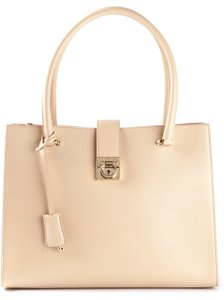 Salvatore Ferragamo Tote in nude/pink with a red lining
