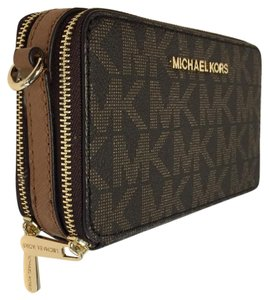 Michael Kors Jet Set Travel Mf Phone Iphone Cross Body Bag