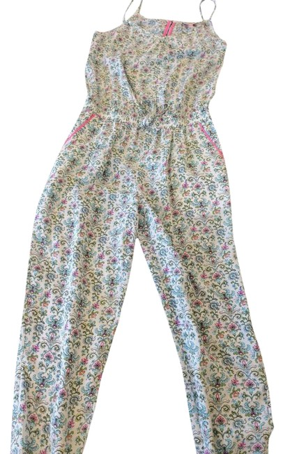 Preload https://img-static.tradesy.com/item/22391920/juicy-couture-floral-silk-long-romperjumpsuit-size-0-xs-0-9-650-650.jpg