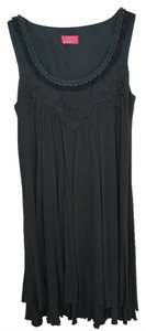 BCBGeneration Pleated Flowy Flower Ribbon Design Sleeveless Dress
