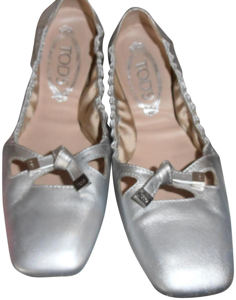 ca70b69ff4ce4 Tod's Metallic Silver Leather Ballerina Ballet Bow Tie Square Front ...