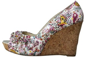 Steve Madden High Gloss Paisley Size 9.5 Multi Paisley Wedges