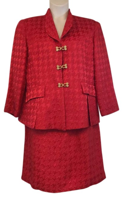 Item - Red Christian Embossed Cocktail Skirt Suit Size 16 (XL, Plus 0x)
