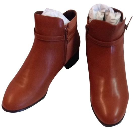 Preload https://item4.tradesy.com/images/ashro-luggage-menna-ankle-bootsbooties-size-us-10-wide-c-d-2239463-0-0.jpg?width=440&height=440