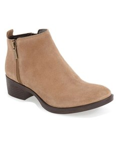 Kenneth Cole Zip Cappuccino Boots