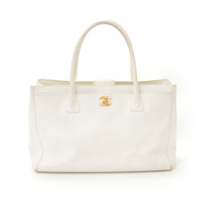 Chanel Leather Calfskin Tote in White