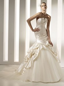 Pronovias Megyn Wedding Dress
