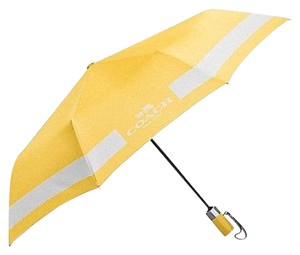 Coach COACH F63689 HORSE AND CARRIAGE UMBRELLA CANARY/CHALK NWT