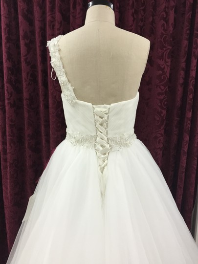 Pronovias Off White Tulle/ Lace San Patrick Modern Dress Size 10 (M)