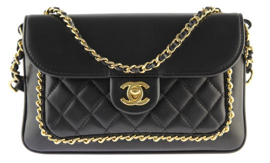 Preload https://img-static.tradesy.com/item/22401644/chanel-unchained-flap-black-lambskin-leather-shoulder-bag-0-8-540-540.jpg