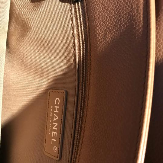 Chanel Tote in Beige Image 8