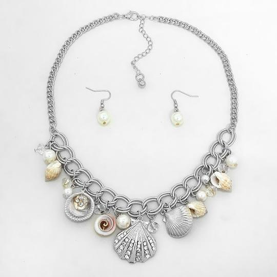 Other Seaworld Sealife Seashell Pearl Crystal Accent Necklace And Earring