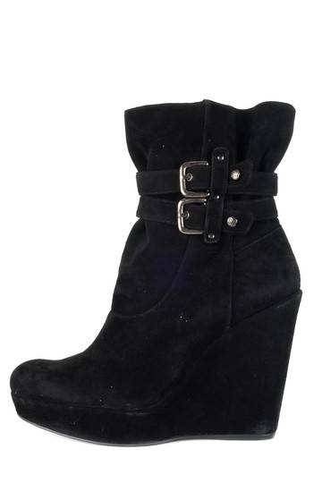 Preload https://img-static.tradesy.com/item/22404377/stuart-weitzman-black-suede-round-toe-ankle-bootsbooties-size-us-9-regular-m-b-0-0-540-540.jpg
