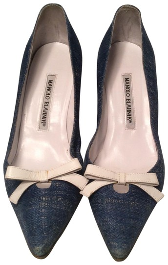 Preload https://img-static.tradesy.com/item/22405650/manolo-blahnik-blue-tweed-pumps-size-us-6-regular-m-b-0-2-540-540.jpg