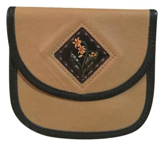Preload https://item1.tradesy.com/images/brown-leather-feed-bag-2240690-0-0.jpg?width=440&height=440