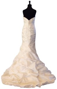 Allure Bridals Ivory Matte Taffeta 8526 Traditional Wedding Dress Size 10 (M)