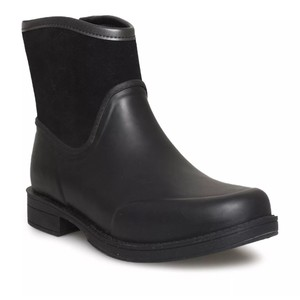 a8367520266 Black UGG Australia Boots & Booties - Up to 90% off at Tradesy