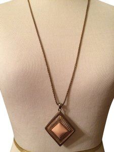 Indegendent designer Gold/Pink necklace