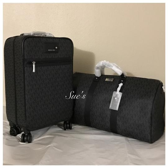 Preload https://img-static.tradesy.com/item/22410042/michael-kors-mk-jet-set-trolley-luggage-and-xl-duffle-black-weekendtravel-bag-0-0-540-540.jpg