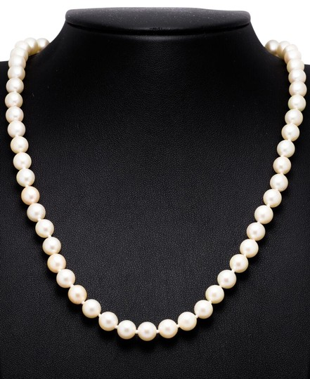 Preload https://img-static.tradesy.com/item/22410075/exquisite-art-deco-platinum-and-diamond-saltwater-pearl-necklace-0-4-540-540.jpg